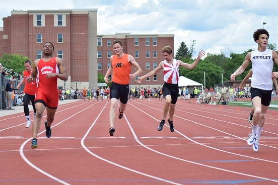 Marshfield's Calden Wojt finished in third place in the Division 1 boys 200-meter dash finals at the 2016 WIAA State Track & Field Championships at the University of Wisconsin-La Crosse Saturday. He earned his first career state medal after finishing in 21.99 seconds. (Photo courtesy of Eric LeJeune/Hub City Times)