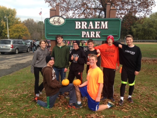 The Marshfield Middle School and Marshfield High School cross country teams sponsored the Great Pumpkin Run on Thursday at Braem Park. (Submitted photo)